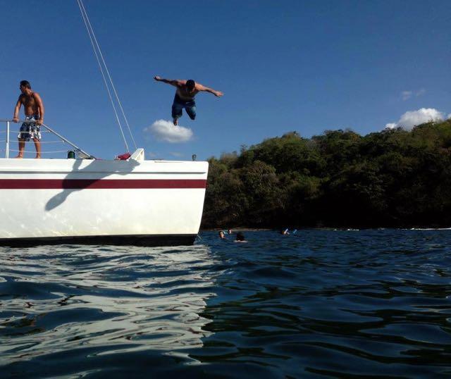 catamaran Jumping2